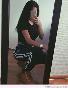 Sport pants, crop tee and boots