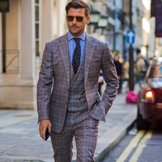 Johannes Huebl at FW Photo by via Magazine Man, Fashion Beauty, Mens Fashion, Business Outfit, Wedding Beauty, Gentleman Style, Wedding Suits, Mens Suits, Suit Jacket