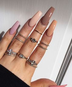 Elegant Nude Coffin Nails Design For Long Nails That Anyone Can Pull Off - Latest Fashion Trends For Woman Cute Acrylic Nail Designs, Simple Acrylic Nails, Summer Acrylic Nails, Best Acrylic Nails, Aycrlic Nails, Swag Nails, Coffin Nails, Grunge Nails, Fire Nails