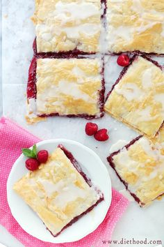 Phyllo Raspberry Pop Tarts are the easiest homemade pop tart recipe ever! Layers of phyllo filled with raspberry jam & topped with vanilla glaze. Phyllo Dough Recipes, Puff Pastry Recipes, Tart Recipes, Sweet Recipes, Bread Recipes, Köstliche Desserts, Delicious Desserts, Dessert Recipes, Strudel