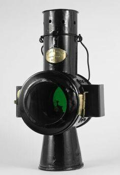 Railway Light/Lantern via Fundação Museu Nacional Ferroviário FMNF (PT) - Railway/Train National Museum