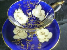 porc__AYNSLEY tea cup & saucer Athens cobalt blue white pansey outlined in gold 30s