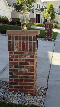 Premiere Quality Masonry in Boulder custom designs and installs stone or brick mailboxes. Stone Mailbox, Brick Columns, Mailbox Landscaping, Gate House, Brickwork, House Front, Mailbox Designs, Mailbox Ideas, Bouldering