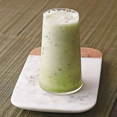 Sip on this healthy Honeydew-Cucumber Juice for Fourth of July. #4thofJuly #drinkrecipes #healthyrecipes | everydayhealth.com