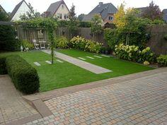 Annabelle, rietmatten, gras, tuin