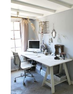 Pretty shabby chic work space – Chic Home Office Design Home Office Design, Home Office Decor, House Design, Office Ideas, Desk Ideas, Bedroom Office, Office Furniture, Furniture Ideas, Room Ideas