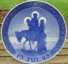 Royal Copenhagen Small Collectible Plate by QueeniesCollectibles ...