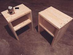 Diy Furniture Building, Diy Furniture Table, Furniture Projects, Furniture Makeover, Furniture Design, Diy Nightstand, Nightstands, Diy Bedside Tables, Wooden Side Table