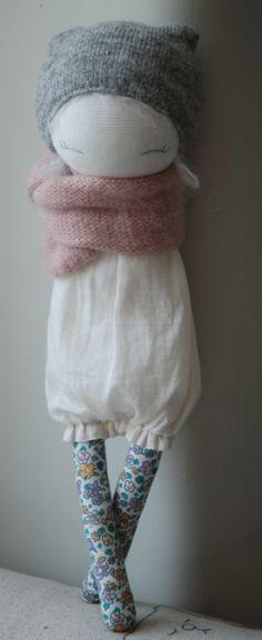 Jolies poupées en tissu à commander chez Muc-Muc ou pour s'inspirer...