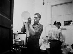 A look at Gordon Parks's first photo essay for Life shows how editors' choices of words and pictures can manipulate meaning. Gordon Parks, Harlem New York, Jackson, New Orleans Museums, At Risk Youth, Film Images, Park Photos, Glamour Photography, Photo Essay