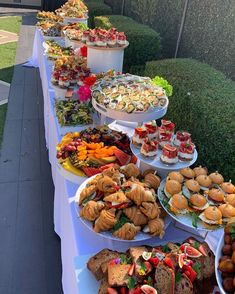 Party Food Buffet, Party Food Platters, Birthday Brunch, Brunch Party, Kreative Snacks, Buffets, Food Displays, Snacks Für Party, Food Goals