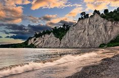 Toronto has plenty of beautiful places, but nothing compares to the Scarborough Bluffs for the sheer majesty of the landscape. Take a hike across t. Perfect Image, Perfect Photo, Love Photos, Cool Pictures, Scarborough Bluffs, Car Rental, Beautiful Places, Photoshoot, Landscape