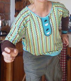 Handmade Raglanshirt für starke Mädchen von Die Revoluzzer auf DaWanda.com