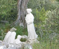 El Ángel de Portugal con los pastorcitos de Fátima.