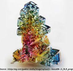 Dieser Regenbogen-farbene Bismut Kristall schimmert in den schönsten Farben des Lebens - BuzzerStar.com  Interessante Neuigkeiten aus der Welt auf BuzzerStar.com : BuzzerStar News - http://www.buzzerstar.com/dieser-regenbogenfarbene-bismut-kristall-schimmert-in-den-schoensten-farben-des-lebens-8a4ba5eb8.html