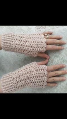 Parmaksız Eldiven ❤ Knitting ProjectsCrochet For BeginnersCrochet Hair Styles… Crochet Gloves Pattern, Crochet Shawl, Crochet Stitches, Hand Knitting, Baby Hats Knitting, Knitting Patterns, Crochet Patterns, Start Knitting, Crochet Girls