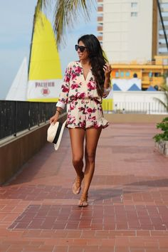 Outfits con rompers primaverales http://beautyandfashionideas.com/outfits-with-spring-rompers/ Outfits with spring rompers #Fashion #Ideasdeoutfits #Moda #Outfits #Outfitsconrompersprimaverales #Tipsdemoda