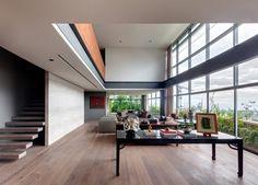 Salón a doble altura / Double height livings room