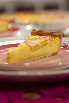 Lekkerder as melktert peertert South African Desserts, South African Recipes, Sweet Pie, Sweet Tarts, Sweet Recipes, Cake Recipes, Melktert, Yummy Treats, Yummy Food