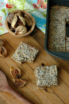 Make breakfast or snack time count with quick prep, freezer friendly, and power packed gluten free fig breakfast bars! Figs Breakfast, Second Breakfast, Breakfast Bars, How To Make Breakfast, Raw Food Recipes, Snack Recipes, Snacks, Dessert Recipes, Dairy Free Eggs