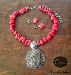 Madó Luaces : Gargantilla y pendientes color coral