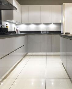 Modern Kitchen Design : Gloss Mackintosh kitchen in light grey and white with mirrored plinth and Inset Light Grey Kitchens, White Gloss Kitchen, Kitchen Living, New Kitchen, Kitchen Ideas, Kitchen Grey, Black And Grey Kitchen, Kitchen Cabinets Grey And White, Kitchen Room Design
