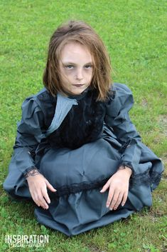 Zombie Girl Halloween Costume and Make-Up