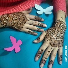 Раз уж весна у всех, то и у меня пусть будут бабочки Henna Ideas, Henna Tattoos, Mehndi Designs, Hand Henna, Elegant, Instagram Posts, Art, Dapper Gentleman, Craft Art