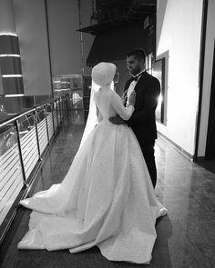 Çiftimize mutluluklar diliyoruz ☺️ #weddingdress #weddingblog #weddingday #wedding2017 #weddingtime #arabicmodel #bridaldress #gelinlik #nişanlık #moda #fashion http://gelinshop.com/ipost/1524312100498154196/?code=BUnccd9BaLU