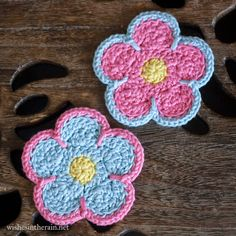 Free Pattern: Sunshine Flower Coasters With Holder | wishes in the rain