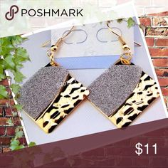 Beautiful Gold Frost Rhombus Earrings Bundle and save. Buy two sets of earrings for 15$ Farah Jewelry Jewelry Earrings