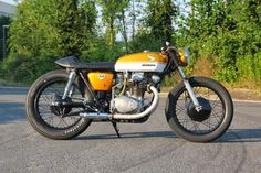 "Honda CB 250 Cafe Racer ""Goldzilla"" by KlassikKustoms - Lsr Bikes"