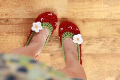 LOVE these. They look very quick to crochet up...great Xmas present idea.
