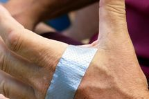 How to Use Duct Tape in the Treatment of Warts