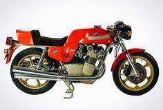 30 Stunning Photos of Museum-Worthy Classic Italian Bikes