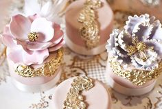 Wedding Favour Ideas Your Guests Will Love | Intricate, miniature versions of your wedding cake mark a sweet and delicious end to the evening.
