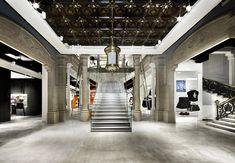 H&M store Estudio Mariscal, Barcelona. Visit City Lighting Products! https://www.linkedin.com/company/city-lighting-products
