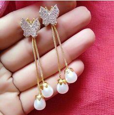 Jewelry Design Earrings, Gold Earrings Designs, Gold Jewellery Design, Designer Jewelry, Gold Jewelry, Dangle Earrings, Diamond Earrings, Jewelry Accessories, Stylish Jewelry