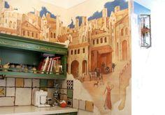 Роспись стен в интерьере классической кухни