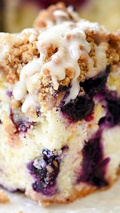 Blueberry Buckle Recipe With Lemon Glaze ~ Served as a dessert or a decadent breakfast, this blueberry cake with a sweet crumble topping is packed with bursts of sweet blueberries and a great alternative to a standard muffin.