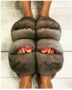 3ad02ba4948ea8 144 Best Fur slippers images