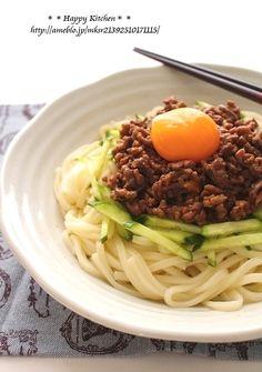 がっつり食べたい日に。肉味噌ジャージャー麺風うどん。