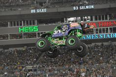 Monster Jam® Ticket Offer Gets Tampa Fans in FREE to Party in the Pits