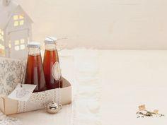 Teelikör zum Verschenken ist ein Rezept mit frischen Zutaten aus der Kategorie Südfrucht. Probieren Sie dieses und weitere Rezepte von EAT SMARTER!