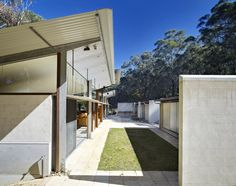 glade house Australian Architecture, Architecture Design, Peter Stutchbury, Mini Cafe, Corrugated Tin, Central Coast, First Home, Concrete, Sidewalk
