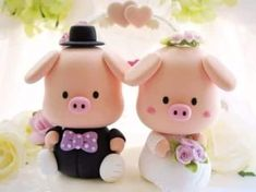 Handmade lovely piggy and piglet bride and groom wedding cake topper Custom Wedding Cake Toppers, Wedding Topper, Wedding Cakes, Wedding Vows, Wedding Dresses, Fondant Figures, This Little Piggy, Little Pigs, Polymer Clay Projects