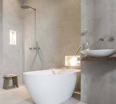 remodeling ideas bathroom is very important for your home. Whether you pick the small bathroom storage ideas or bathroom remodel tips, you will make the best remodeling ideas bathroom for your own life. Cement Bathroom, Concrete Shower, Bathroom Taps, White Bathroom, Bathroom Interior, Modern Bathroom, Bad Inspiration, Bathroom Inspiration, Beton Design