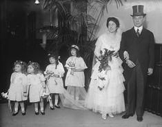Diana Wedding Dress, Princess Diana Wedding, Wedding Dresses, Chicago History Museum, Cap Sleeve Gown, Older Bride, All White Wedding, Bridesmaid Dress Colors, Satin Gown