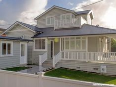 Resene Grey Friars is the perfect roof colour for this house. The weatherboards are Resene Half Tapa and the trims are Resene Quarter Sea Fog. Weatherboard Exterior, Colorbond Roof, Grey Exterior, House Exterior Color Schemes, House Paint Exterior, Exterior Colors, Facade Design, Exterior Design, House Design