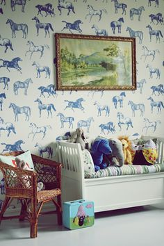 Loving This Kids Room with an animal pattern wallpapper #kidsroom #kidsbedroomideas #blueinspiration Find more inspirations at www.circu.net